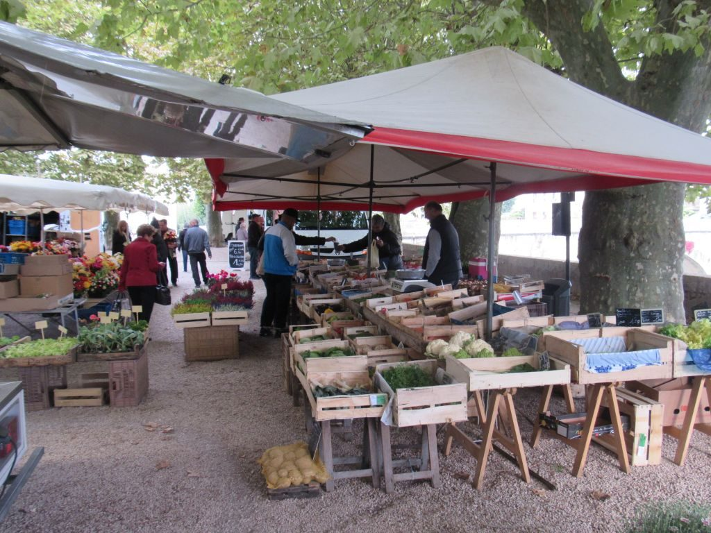 Market at Verdun sur Doubs