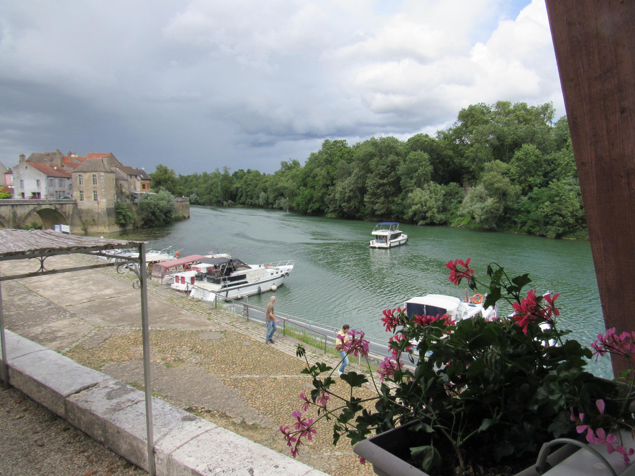 Barging in burgundy part 2 green point greenie - Piscine verdun sur le doubs ...