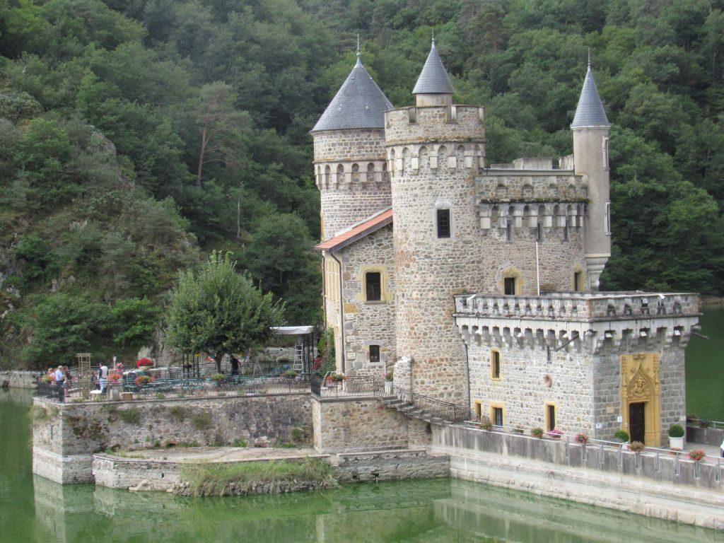Chateaux le Roche
