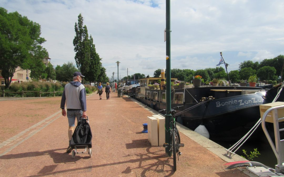 Barging from Loire to Burgundy